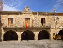Fachada del Ayuntamiento de Salas de los Infantes en Burgos.