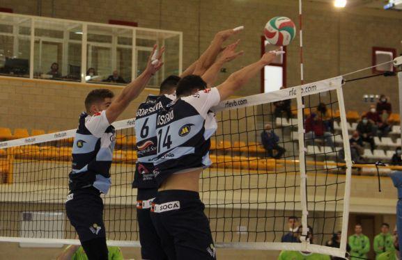Hoy, Rio Duero Soria Voleibol visita Boiro por la salvación ante un rival...